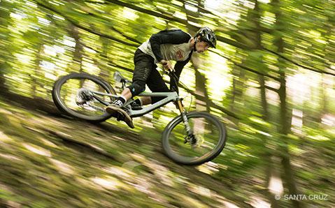 Santa Cruz Bronson: Allmountain-Allstar für Backcountry-Touren bis Enduro-Action