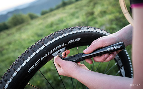 Verktyg och tillbehör som tar hand om dina däck